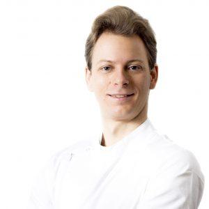Dr. Velez Róbert